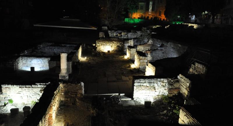 Ефектно осветление  Римски терми гр. Варна.  Система за динамично управление Osram DALI.